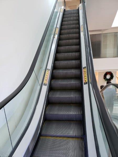 Empresa de manutenção de escada rolante